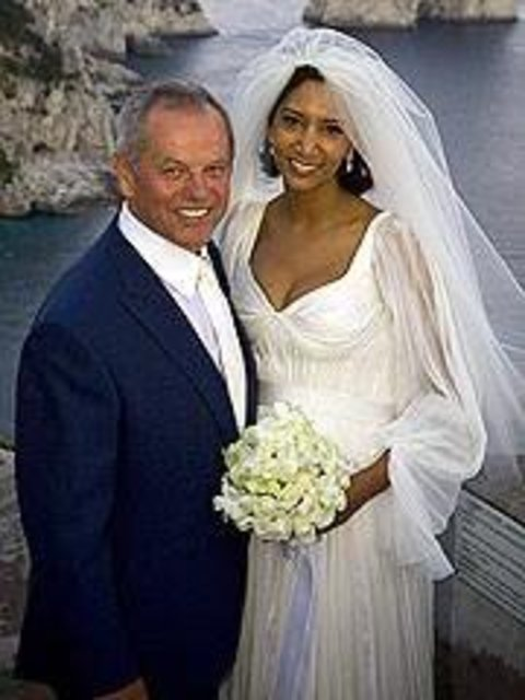 Gelila Assefa married in 2007.