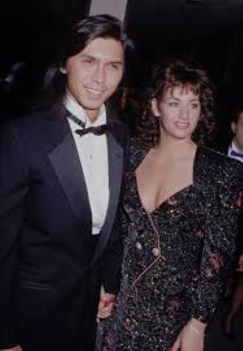 Julie Cypher and her Ex-husband Lou Diamond Phillips.