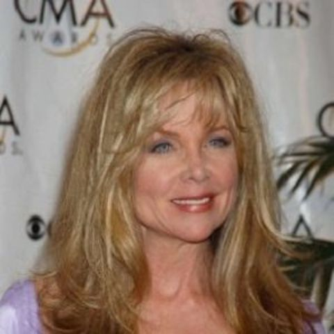 Lisa Marie Eilbacher has a net worth of $500 Thousand