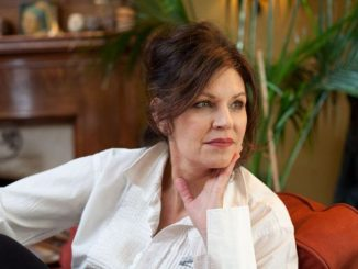 Wendy Crewson and her former husband Michael Michael Murphy were in married relationship from 1988 to 2009 and they are also the parents of a daughter and a son.