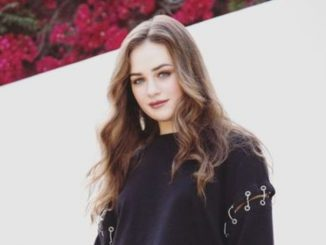 Mary Mouser has a net worth of $1 million