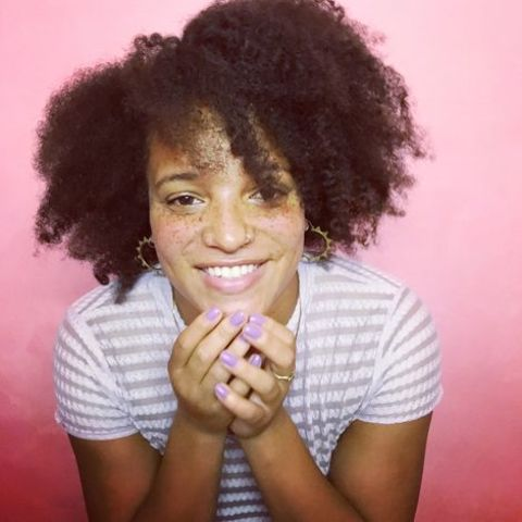 Laya Lewis  has a net worth of $100 Thousand