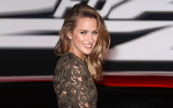 One Tree Hill Alum Shantel VanSanten's Love Life Seems Wonderful; Know How Her Boyfriend Is and Also Her Net Worth!