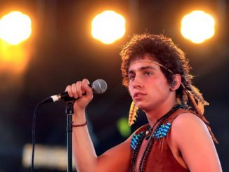 Josh Kiszka is not in a relationship as he is focusing on his career.