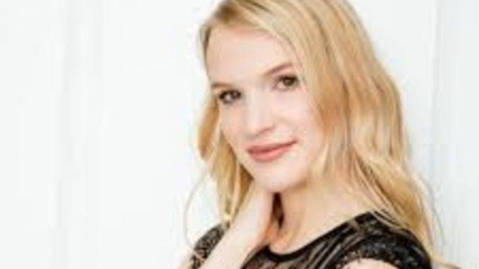 Kyra Siverston has net worth of $1 million