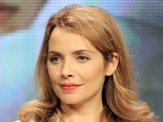 Mili Avital is married to her partner Charles Randolph.