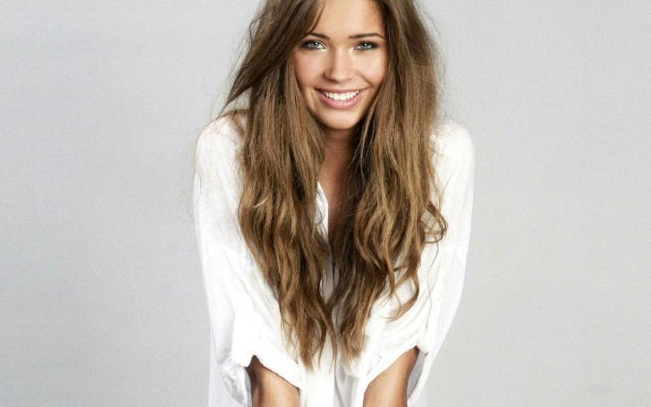 Sandra Kubicka has a net worth of around $1 million
