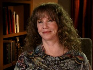 Laraine Newman has an estimated net worth of $5 million.