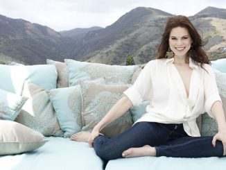 Mariana Klaveno has an estimated net worth of $1 million.
