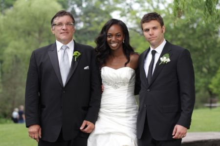 Enuka Okuma is married to Joe Gasparik. They met for the first time in Toronto and became really close friends.