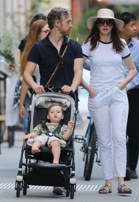 Jonathan Rosebanks is the son of Anne Hathaway.