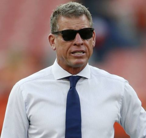 Troy Aikman currently serves as the Fox Channel commentator.