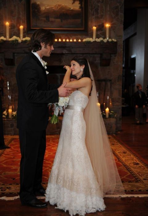 Genevieve Cortese along with her husband, Jared Padalecki at their wedding.
