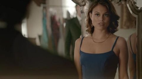 Nathalie Kelley plays the role of Sybil