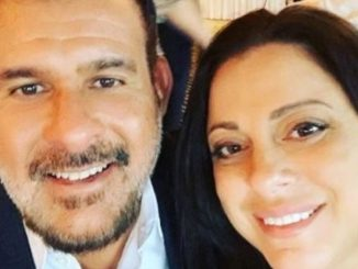 Matthew DaMatta with his wife Dawn Marie in a restaurant. Source: Instagram(dawnmariewwe).