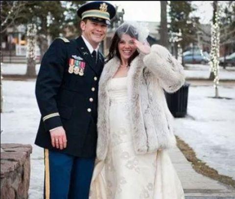 Samantha married her husband in 2010.
