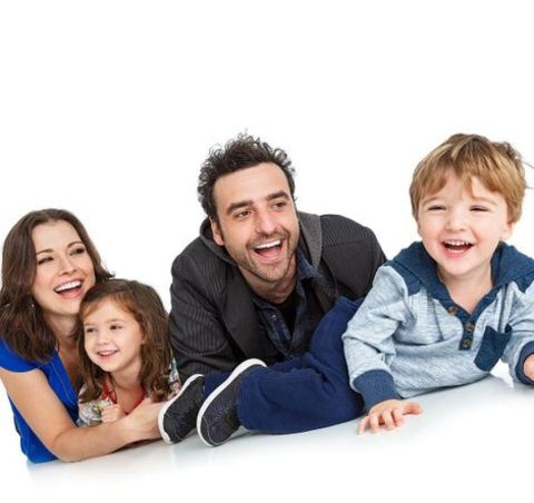 David Krumholtz giving a pose along with his wife, Vanessa Britting and children, Pemma and Jonas.