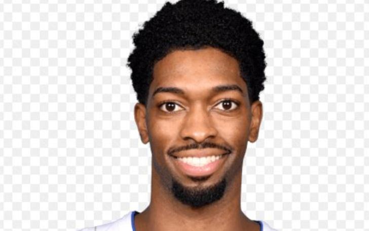 Here's All About Amile Jefferson' Life!