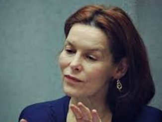 Alice Krige owns a staggering net worth of $30 million as of 2020. Source: Super stars bio