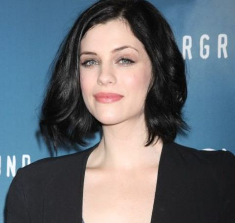 Jessica De Gouw is portraying the role of Louisa in the series The Drovers Wife