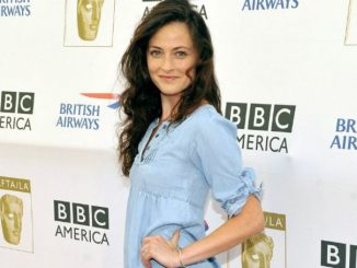Lara Pulver holds a net worth of $2 million as of 2020.