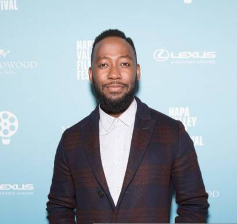 Lamorne Morris giving a pose in an event.