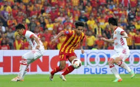 Andik Vermansah during a football game.