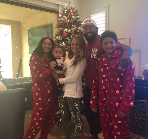 Marlon Byrd poses with wife Katy Byrd and his children.