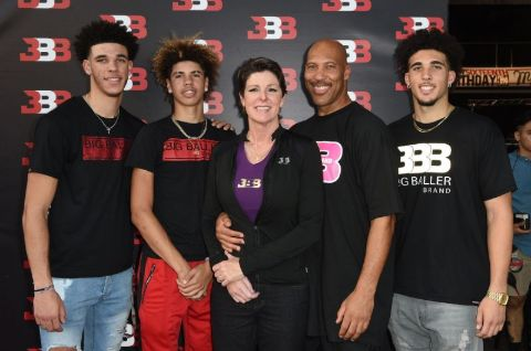 Lavar and Tina gave birth to Liangelo, Lamelo and Lonzo