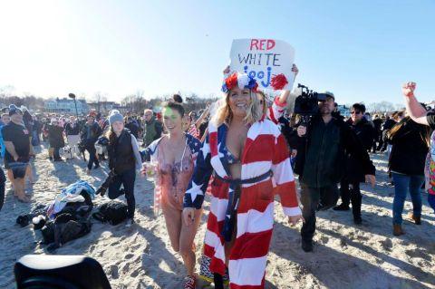 Julie Frates wore American flag bikini.