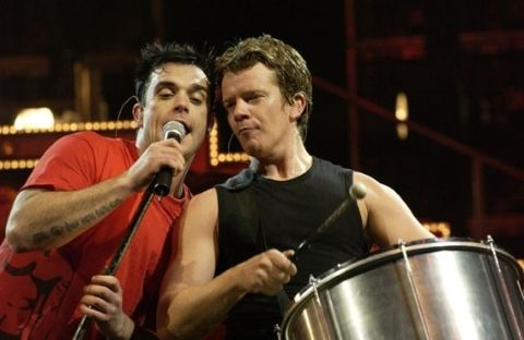 Max Beesley was a member of Robbie's band