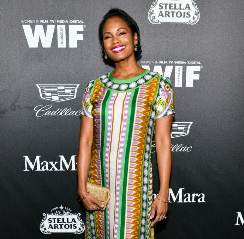 Robinne Lee giving a pose in an event.