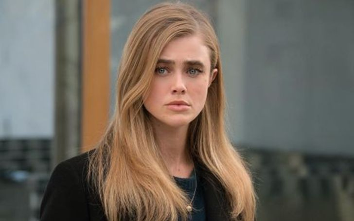 Melissa Roxburgh holds a net worth of $300,000 as of 2020.
