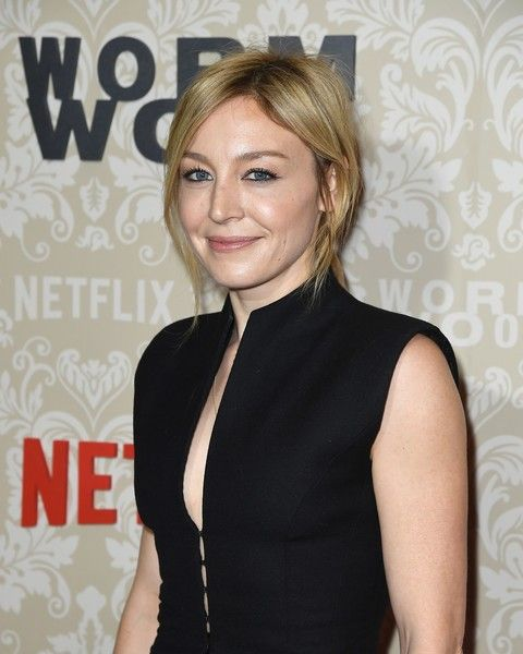 Juliet Rylance giving a pose in an event.