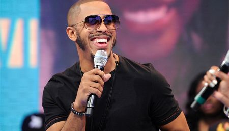 Marques Houston is a good singer as well