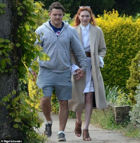The Snippet of Eleanor Tomlinson and Will Owen