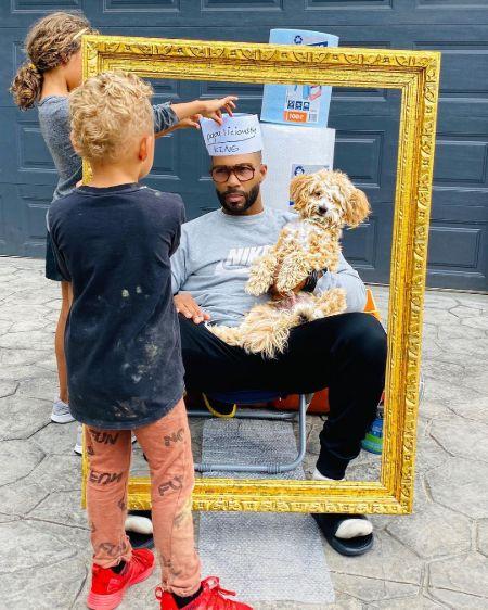 Omari Hardwick with his children