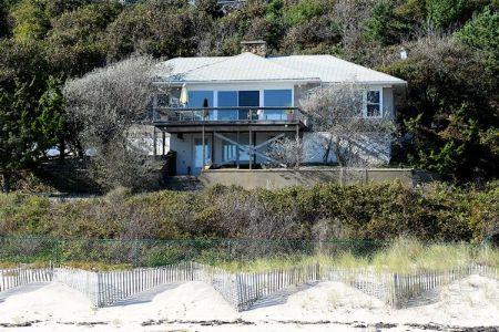 Have a look at the house of Robert De Niro Jr.