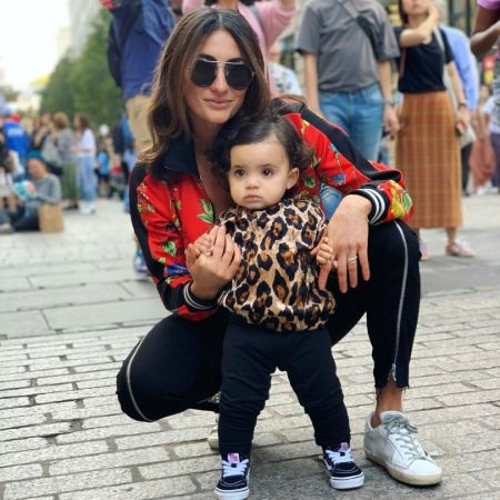 Nikki with her baby daughter