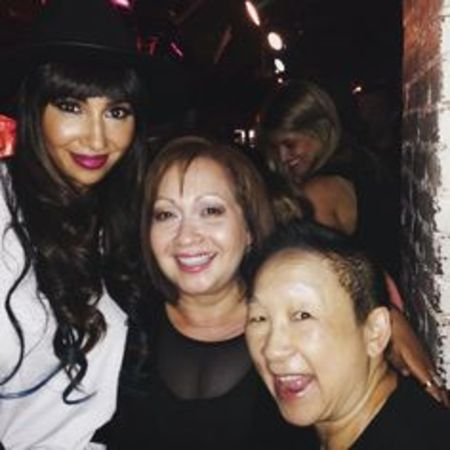Lori Tan Chinn partying with the 'OITNB' cast members