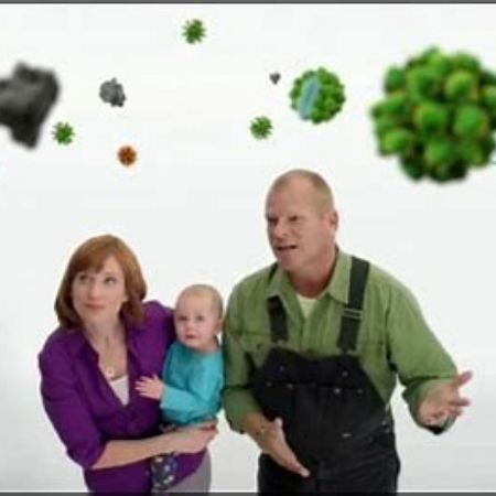 Alexandra Lorex with her ex-husband and her child on a tv commercial.
